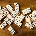 Dominoes image